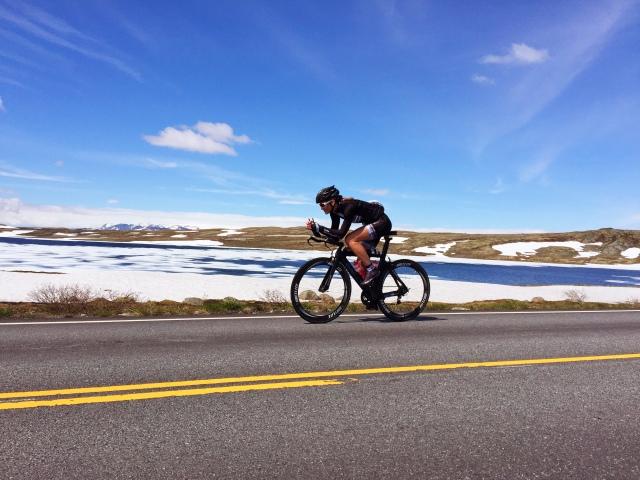 Trude tester NXTRI Norseman sykkeltrase