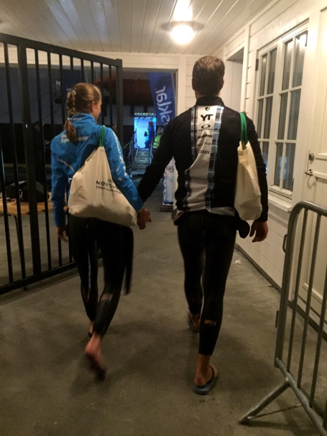 Lars Petter og Trude Stormo på vei inn på båten Norseman 2016