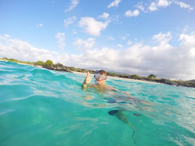 lars-petter-snorkler-i-kua-bay-hawaii