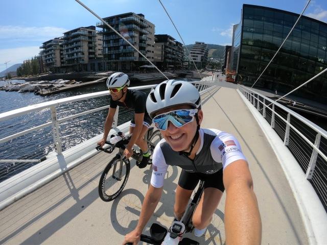 Lars Petter og Trude Stormo sykler i Drammen